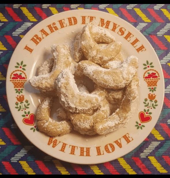 Vanillekipferl  - Austrian Vanilla Crescent Cookies